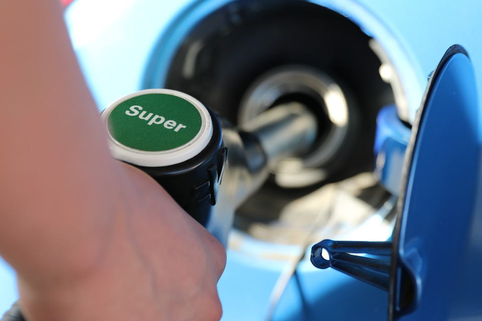 Why Topping Off Your Gas Tank Is A Bad Idea >> Why You Should Never Top Off Your Gas Tank Alt Money Choices